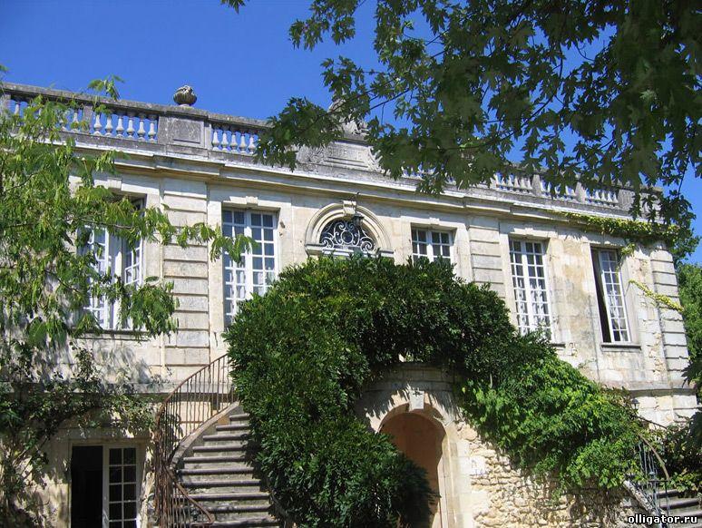 Бизнесмен Дмитрий Строскин снес французский особняк Шато Бельвю