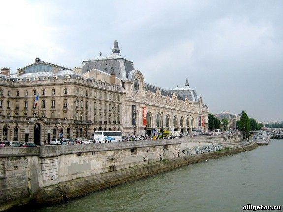 Алексей Кузьмичев купил особняк в Париже
