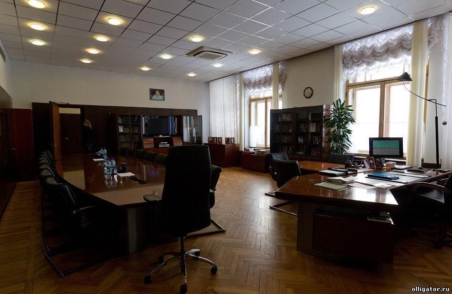Кабинет Суркова