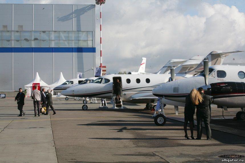 VII Международная выставка деловой авиации Jet Expo 2012