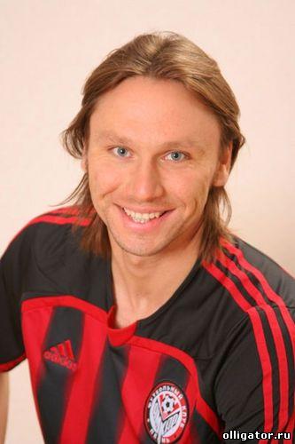Анжи купила нового футболиста Алексея Попова