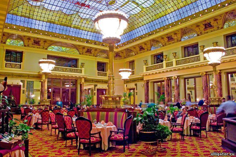 Отель Метрополь продан за 8,8 млрд. руб.