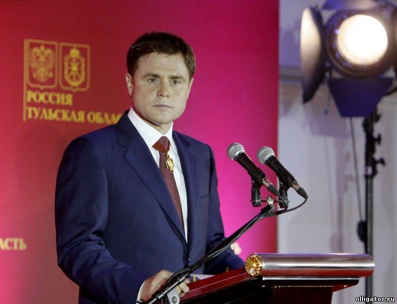 Владимир Груздев купил многодетной семье дом