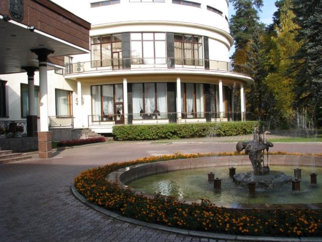 ТОП-3: Самые дорогие особняки на Рублевке